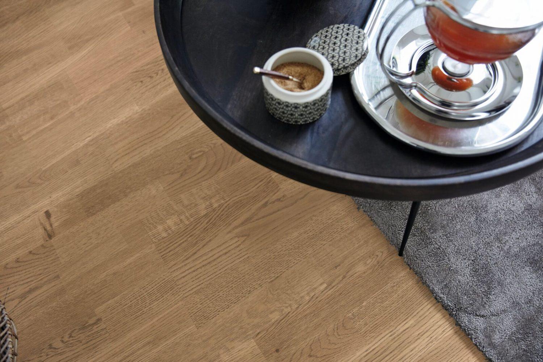 Rustic Lacquered Oak 3-Strip